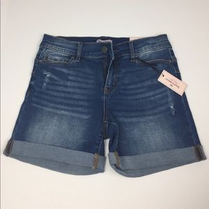Juicy Couture Flaunt it Midi Cuffed Shorts Size 4